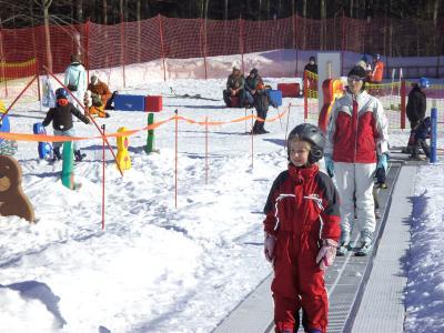 """skizircus voor juniors"""